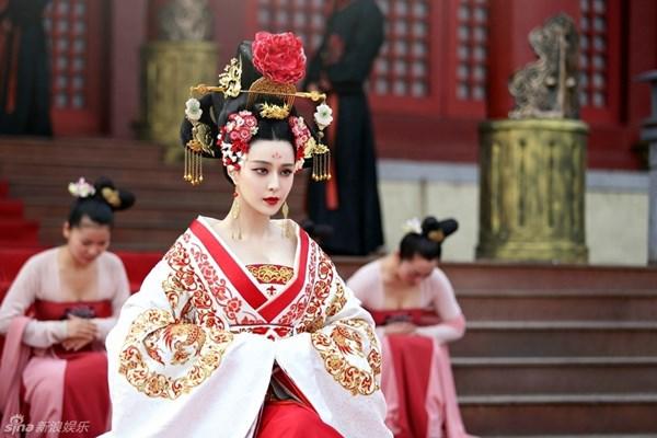 Ngắm dàn phi tần, mỹ nữ tuyệt đẹp trong phim Võ Tắc Thiên - Ảnh 3