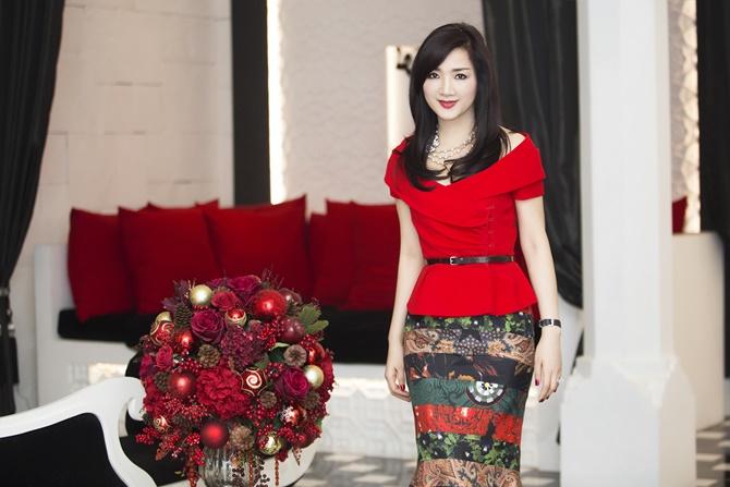 Hoa hậu Giáng My rạng ngời đón Noel 2014 trong sắc đỏ - Ảnh 5