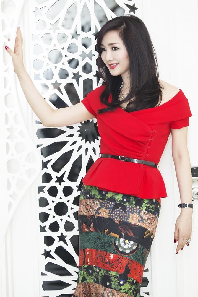 Hoa hậu Giáng My rạng ngời đón Noel 2014 trong sắc đỏ - Ảnh 6