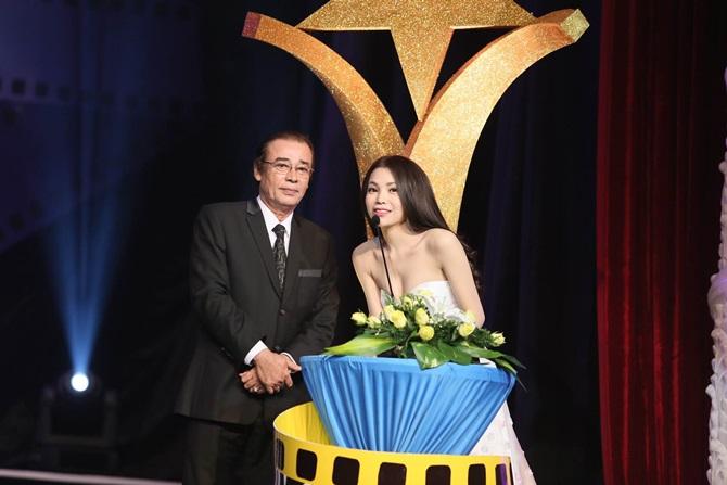 Trà Ngọc Hằng xinh đẹp, lộng lẫy dự trao giải Ngôi sao xanh - Ảnh 10