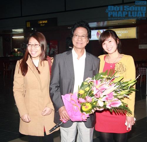Chế Linh đưa vợ trẻ ra Hà Nội làm liveshow - Ảnh 2