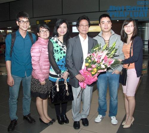Chế Linh đưa vợ trẻ ra Hà Nội làm liveshow - Ảnh 5