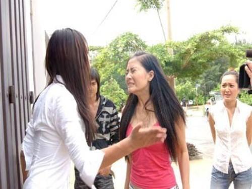 Ma trận trò bẩn trong showbiz Việt: Dắt tay giang hồ vào hại nhau - Ảnh 1