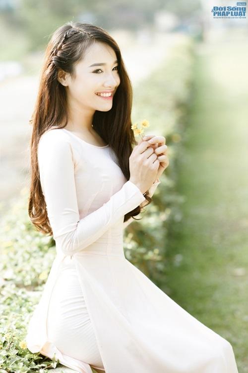 Nhã Phương được báo Hàn Quốc khen xinh đẹp, diễn xuất tốt - Ảnh 9