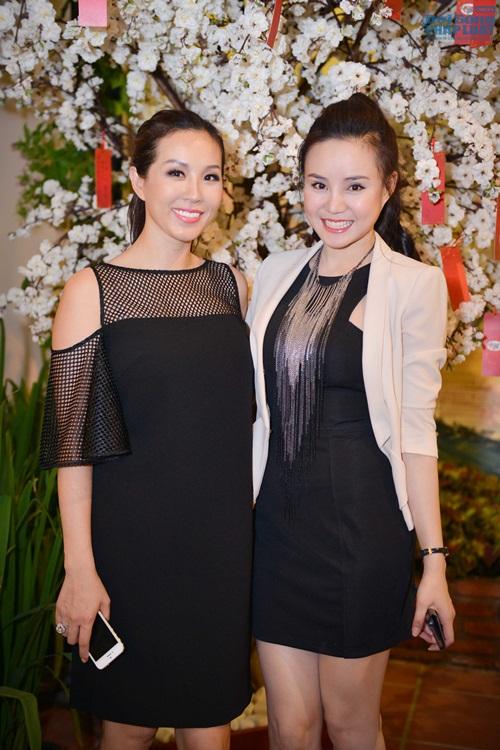 Vy Oanh diện đồ ton - sur - ton với Hoa hậu Thu Hoài - Ảnh 2