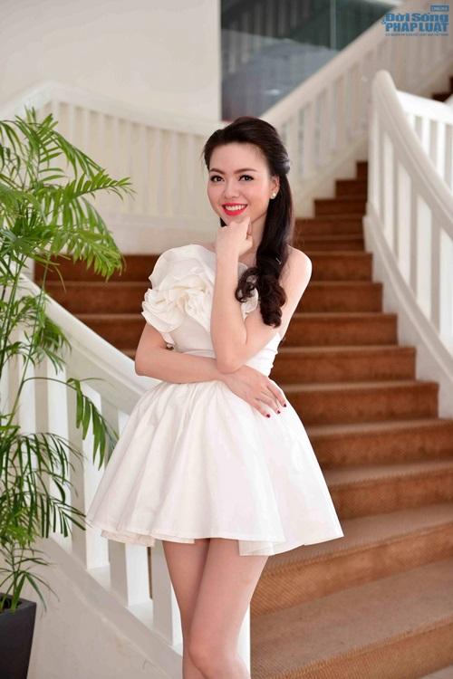 Vũ Hoàng Điệp mặc váy công chúa khoe da trắng mịn - Ảnh 5