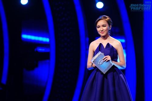 """Cao Thanh Thảo My """"thế chân"""" Phan Anh làm MC chính Vietnam Idol - Ảnh 7"""