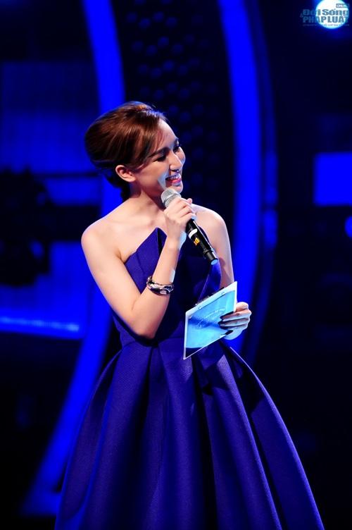 """Cao Thanh Thảo My """"thế chân"""" Phan Anh làm MC chính Vietnam Idol - Ảnh 8"""