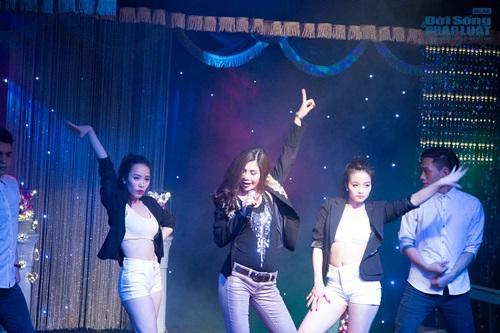 Hiệp Gà tái xuất sân khấu Thủ đô trong minishow của Lưu Kỳ Hương - Ảnh 13