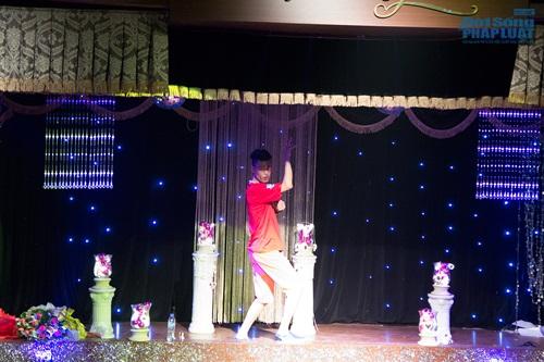Hiệp Gà tái xuất sân khấu Thủ đô trong minishow của Lưu Kỳ Hương - Ảnh 12