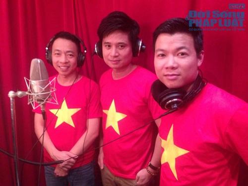 Sao Việt mặc áo in cờ đỏ sao vàng thể hiện lòng yêu nước - Ảnh 3