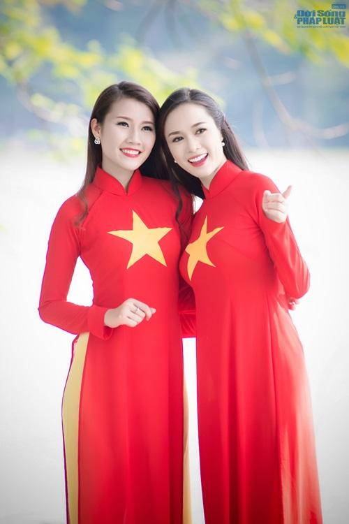 Người đẹp Việt diện áo dài cờ đỏ sao vàng hát Quốc ca - Ảnh 3