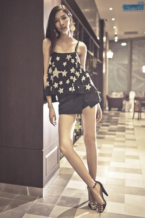Hoàng Thùy cá tính mà gợi cảm với thời trang Kate Moss - Ảnh 7