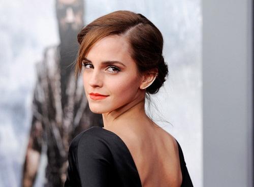 """""""Phù thủy"""" Emma Watson khoe ảnh tốt nghiệp Đại học  - Ảnh 2"""