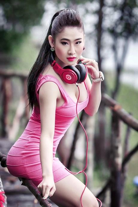 Ngắm thân hình nóng bỏng khiến đấng mày râu chết mê của DJ Oxy - Ảnh 7