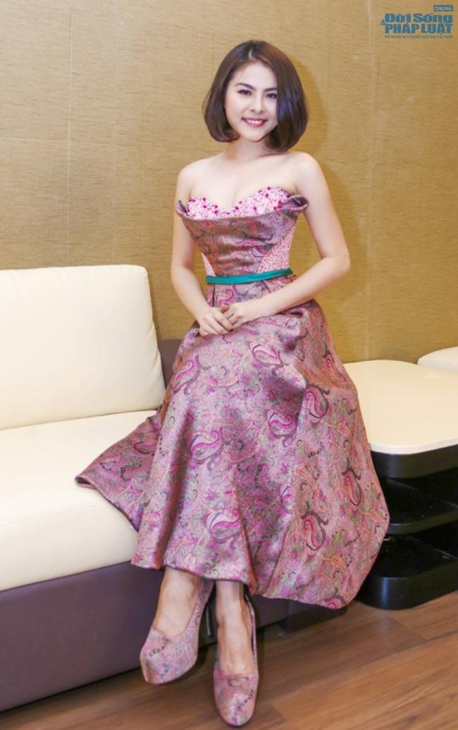 Vân Trang mạnh tay chi 6.000 USD mua váy dự LHP tại Pháp  - Ảnh 9