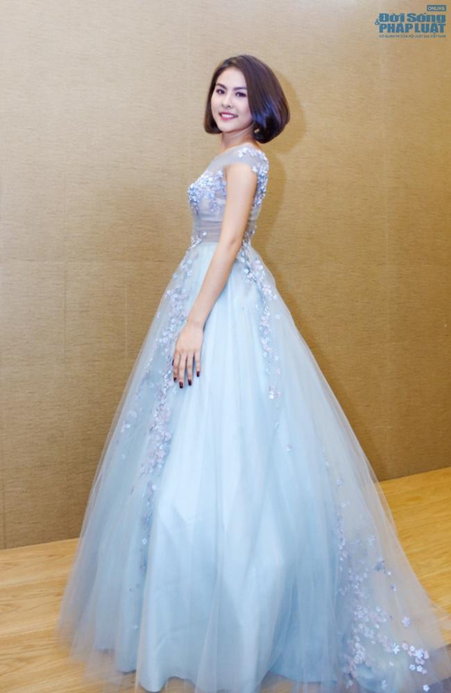 Vân Trang mạnh tay chi 6.000 USD mua váy dự LHP tại Pháp  - Ảnh 8