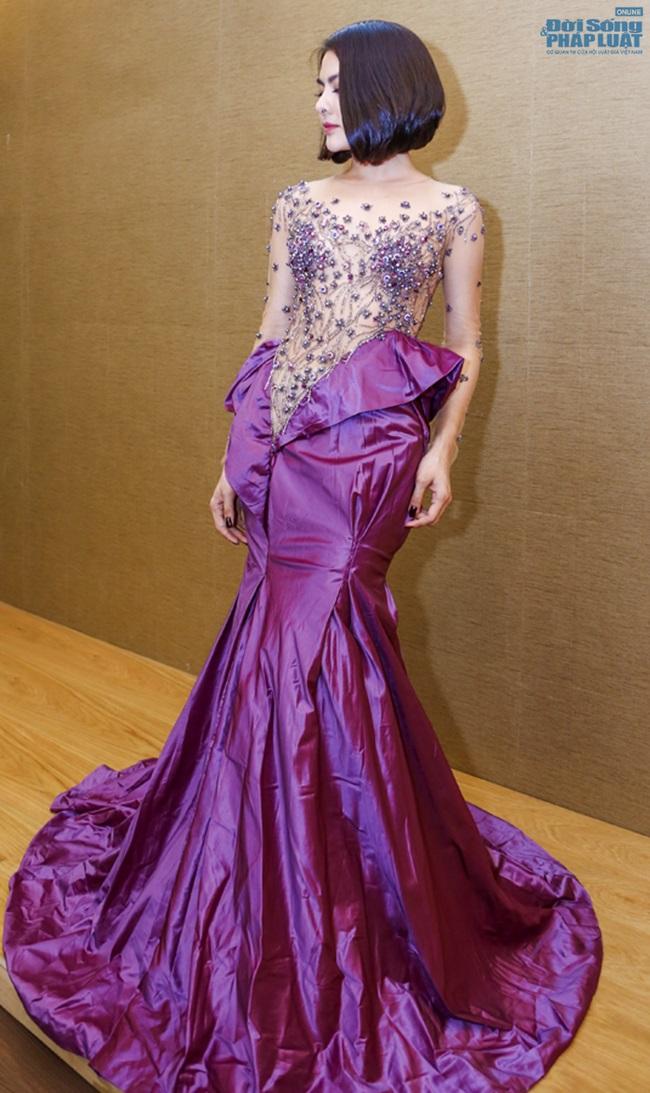 Vân Trang mạnh tay chi 6.000 USD mua váy dự LHP tại Pháp  - Ảnh 3