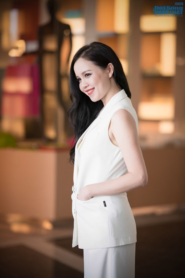 Dàn Hoa hậu, Á hậu hội ngộ trong họp báo Hoa hậu Việt Nam 2014 - Ảnh 4