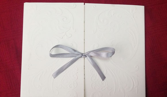 Lộ thiệp cưới Trà My Idol kết hôn với bạn trai ngày 14/6 - Ảnh 2