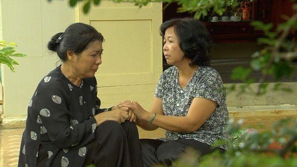Vừa đi vừa khóc tập 35: Đông Dương - Hải Minh hôn nhau say đắm - Ảnh 3