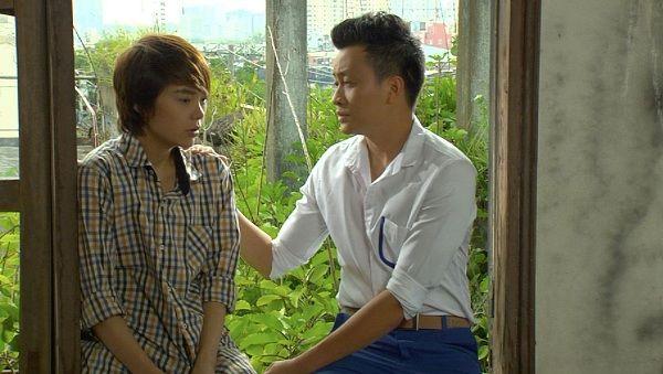 Vừa đi vừa khóc tập 35: Đông Dương - Hải Minh hôn nhau say đắm - Ảnh 1