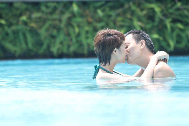 Vừa đi vừa khóc tập 35: Đông Dương - Hải Minh hôn nhau say đắm - Ảnh 2