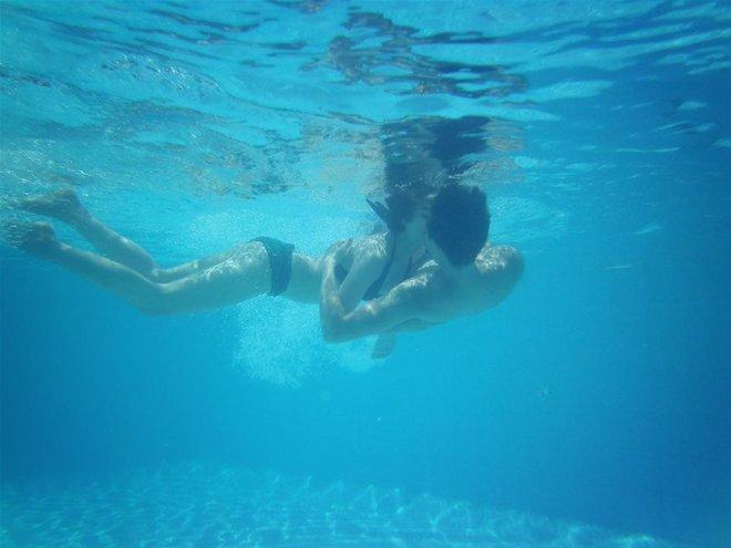 Lương Mạnh Hải, Minh Hằng suýt chết đuối vì hôn nhau dưới nước - Ảnh 4