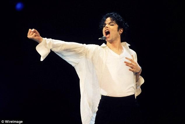 Michael Jackson bị tố ở bẩn, đi tiểu trên nền nhà - Ảnh 1