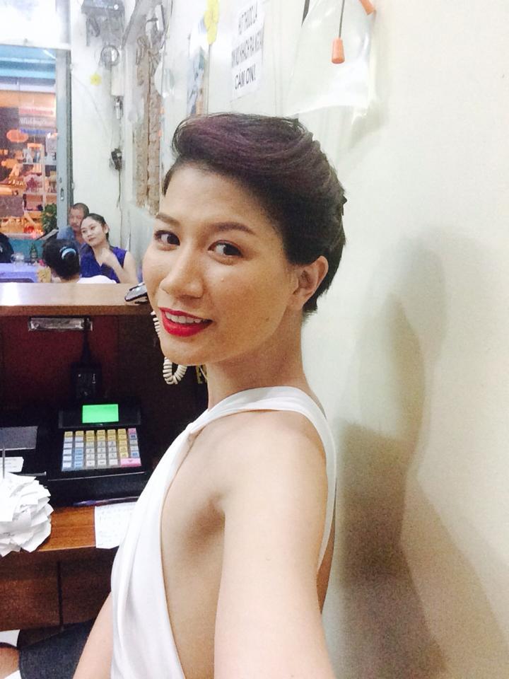 Sao nữ Việt sở hữu bộ ngực phẳng lỳ như đàn ông - Ảnh 1