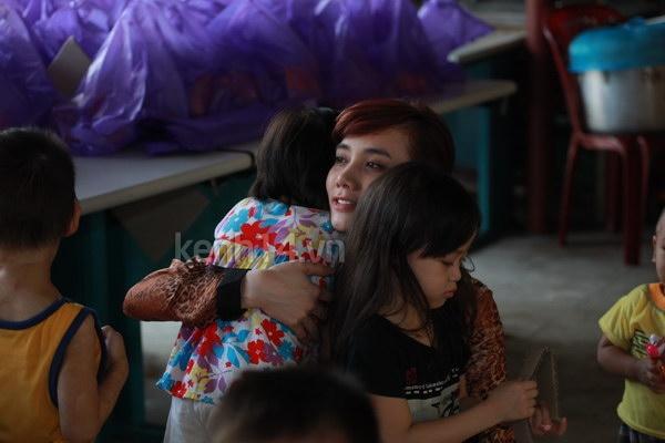 Nhiều sao Việt từng đến chùa Bồ Đề làm từ thiện - Ảnh 8