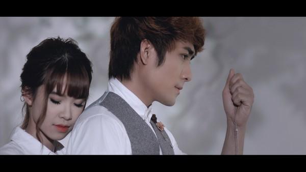 MV Buông tay 2: Kelvin Khánh khóc như mưa vì Khởi My ra đi - Ảnh 3