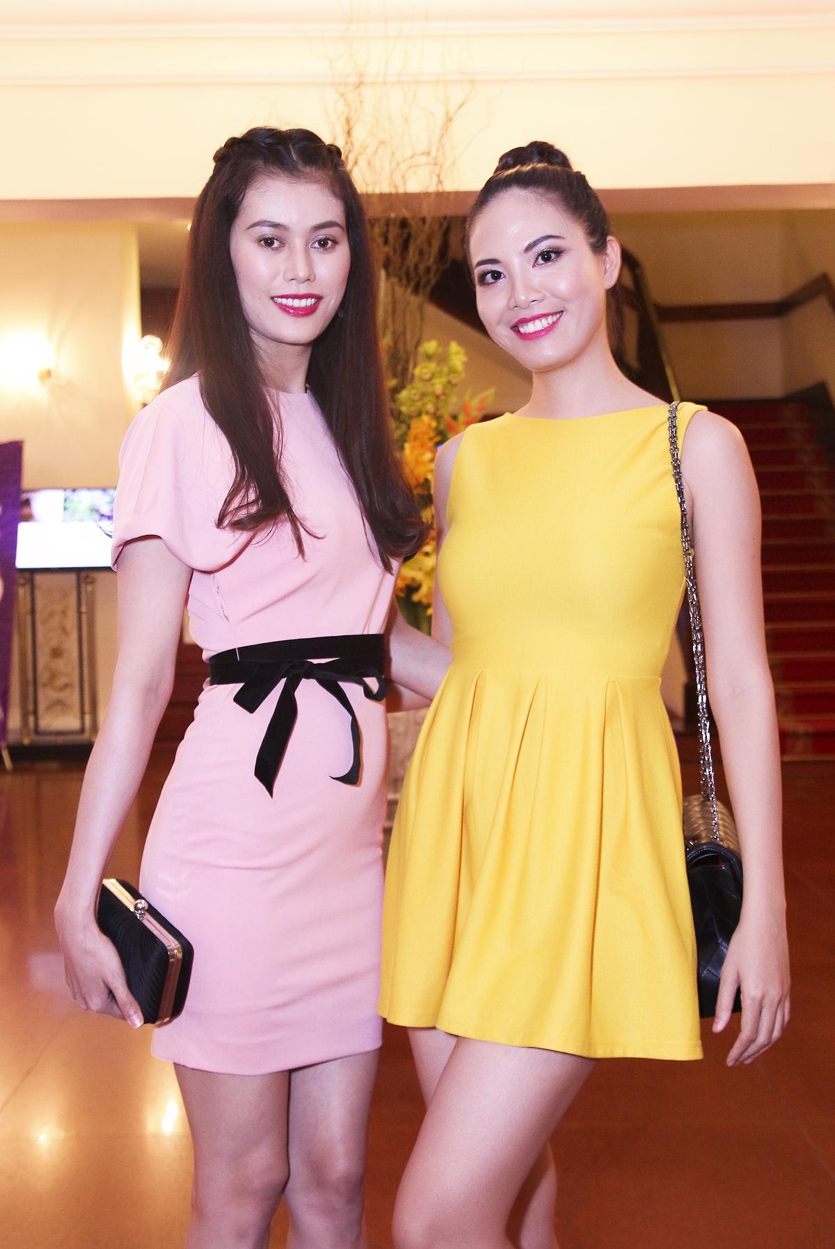 Việt Trinh, Ngân Hà trẻ trung như gái mười tám, đôi mươi - Ảnh 3