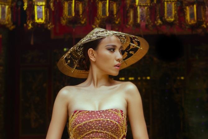 Diệu Huyền xuất hiện nổi bật trên tạp chí thời trang Vogue Ý - Ảnh 6
