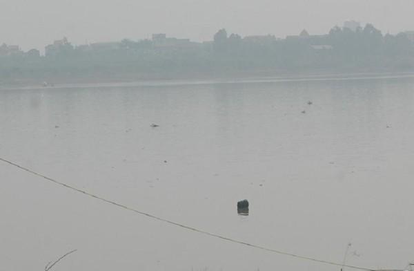 Sự vô cảm đáng sợ quanh chuyện phát hiện 6 thi thể trôi sông - Ảnh 2