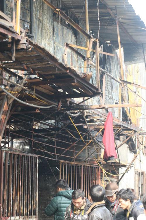 Hà Nội: Cháy nhà 2 tầng, 1 nữ sinh thiệt mạng - Ảnh 5