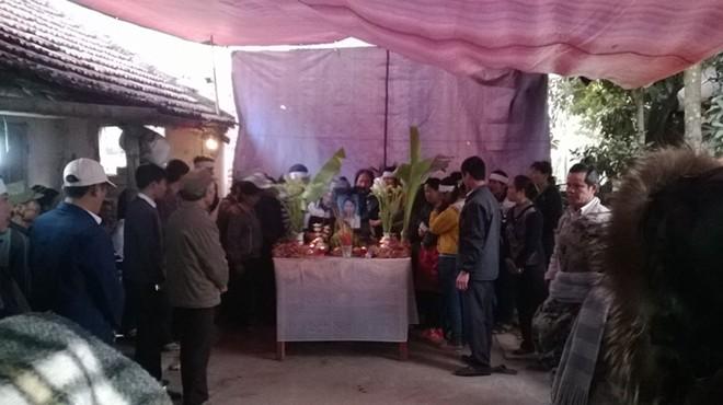 Đám tang đẫm nước mắt của nữ sinh bị chết cháy ở Hà Nội - Ảnh 1