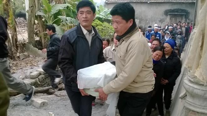 Đám tang đẫm nước mắt của nữ sinh bị chết cháy ở Hà Nội - Ảnh 3