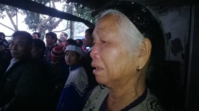 Đám tang đẫm nước mắt của nữ sinh bị chết cháy ở Hà Nội - Ảnh 4