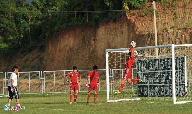 U19 Việt Nam tập bóng bổng chống lại U19 Hàn Quốc - Ảnh 12