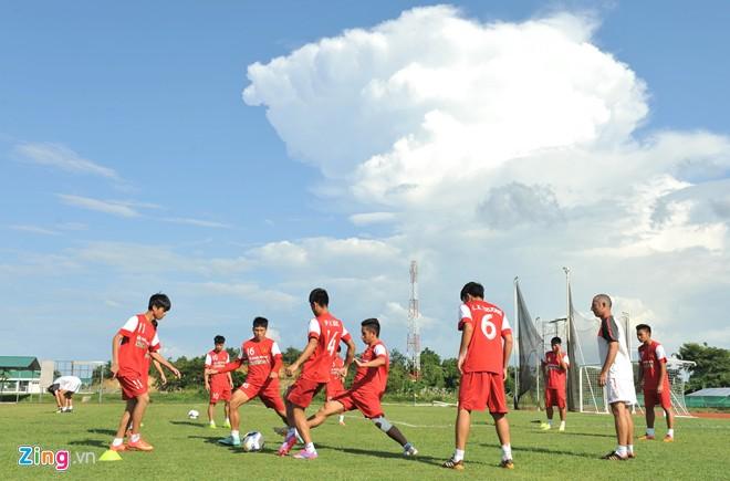 U19 Việt Nam tập bóng bổng chống lại U19 Hàn Quốc - Ảnh 2