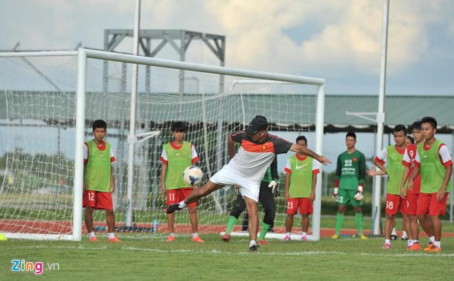 U19 Việt Nam tập bóng bổng chống lại U19 Hàn Quốc - Ảnh 9