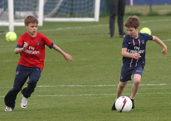 Phớt M.U, quý tử nhà Beckham gia nhập Arsenal - Ảnh 1