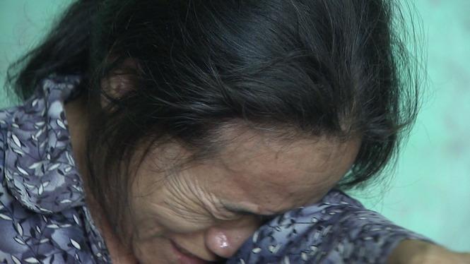 Cha mẹ Quang Hùng khóc cạn nước mắt trước tin con trai bán độ - Ảnh 1