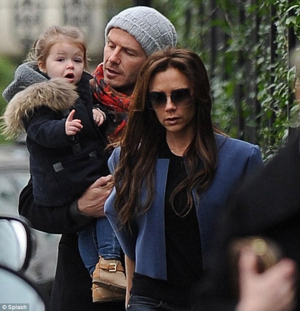 """""""Victoria Beckham ăn cắp ý tưởng của các hãng thời trang"""" - Ảnh 2"""