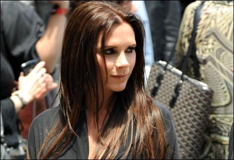 """""""Victoria Beckham ăn cắp ý tưởng của các hãng thời trang"""" - Ảnh 1"""