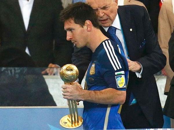"""""""Người nhà"""" kịch liệt phản đối Messi giành bóng vàng World Cup - Ảnh 1"""