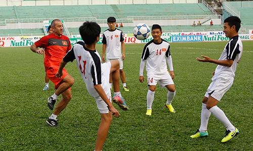 Lộ đội hình ra sân của U19 Việt Nam và U21 Brunei - Ảnh 1