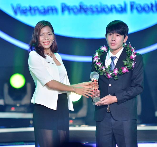 """""""U19 Việt Nam đủ sức đá ở V.League 2015"""" - Ảnh 1"""