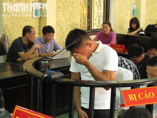Cầu thủ V.Ninh Bình bán độ kiếm tiền xây mộ cho anh trai khóc - Ảnh 1